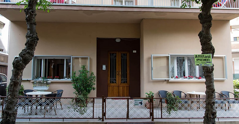 Appartamenti enzo e franca gabicce mare for Appartamenti gabicce mare